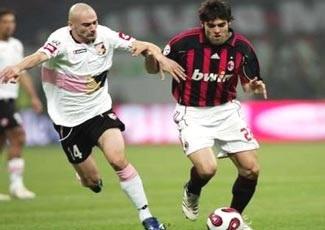 Milan tìm niềm vui tại đấu trường châu lục? - 2
