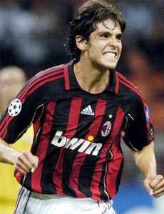 Milan tăng tốc, Roma vững bước cùng Fio? - 1