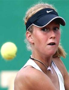 """Venus Williams """"chạm"""" Hingis - 1"""