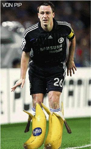 Chùm ảnh hài về cú sút penalty hỏng ăn của John Terry - 6