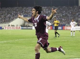 """""""Cầm chân"""" Qatar, Việt Nam tiếp tục giữ ngôi nhất bảng - 3"""