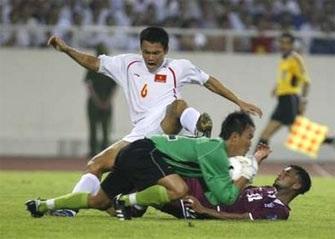"""""""Cầm chân"""" Qatar, Việt Nam tiếp tục giữ ngôi nhất bảng - 1"""