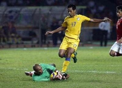 Hạ gục Indonesia, Thái Lan rộng đường vào chung kết - 1