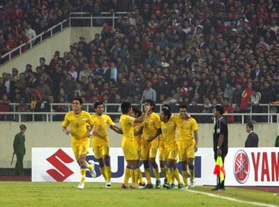 Công Vinh ghi bàn thắng Vàng giúp Việt Nam vô địch AFF Cup - 2
