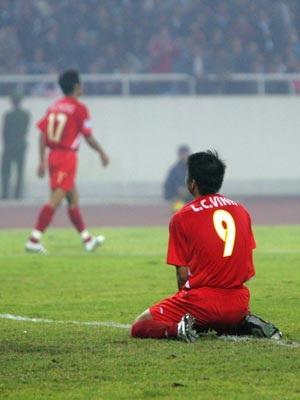 Để Singapore cầm chân, Việt Nam gặp khó trước trận lượt về - 1