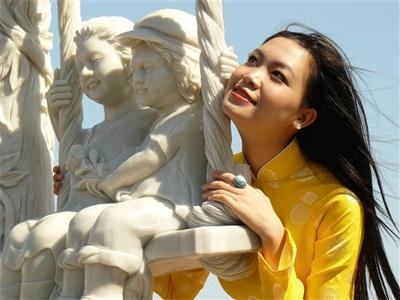 Chùm ảnh Hoa hậu Thuỳ Dung rực rỡ trong nắng xuân - 13