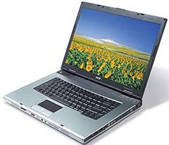 """10 laptop """"hot"""" nhất tháng 8 - 10"""