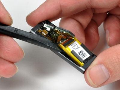 """""""Mổ xẻ"""" bí mật của máy nghe nhạc tí hon iPod Shuffle - 11"""