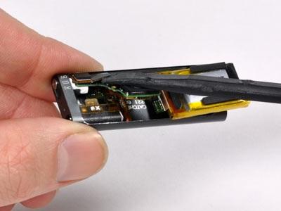 """""""Mổ xẻ"""" bí mật của máy nghe nhạc tí hon iPod Shuffle - 12"""