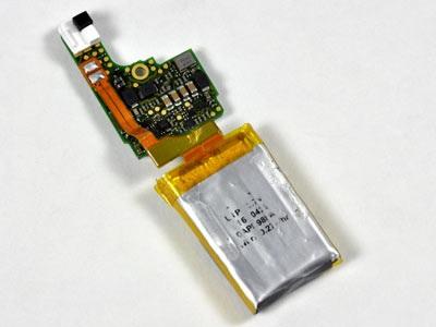 """""""Mổ xẻ"""" bí mật của máy nghe nhạc tí hon iPod Shuffle - 15"""