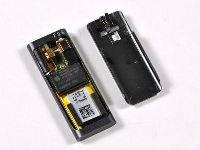 """""""Mổ xẻ"""" bí mật của máy nghe nhạc tí hon iPod Shuffle - 8"""