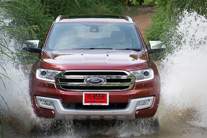 So sánh Ford Everest và Toyota Fortuner thế hệ mới tại Việt Nam - 1