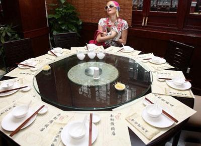 """Paris Hilton """"đại náo"""" Thượng Hải - 6"""