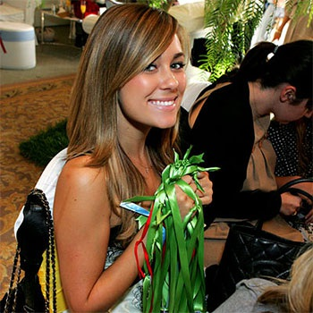 """Nicole """"hé lộ"""" những tấm hình đầu tiên trong bữa tiệc chào đón bé yêu - 3"""