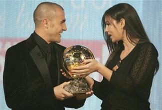 Khoảnh khắc Cannavaro và người đẹp Bellucci - 3