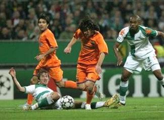 """Barca """"hút chết"""" tại Bremen, Chelsea đại thắng! - 2"""