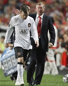 Rooney chắc suất, Parker trở lại sau hai năm - 1