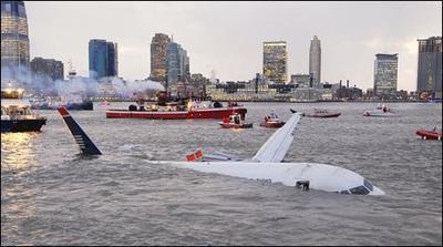Máy bay chở 155 người lao xuống sông New York - 1