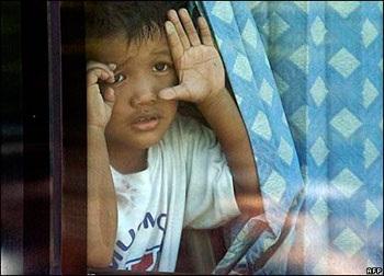 Chủ mưu vụ bắt cóc con tin tại Philipines đầu hàng  - 2