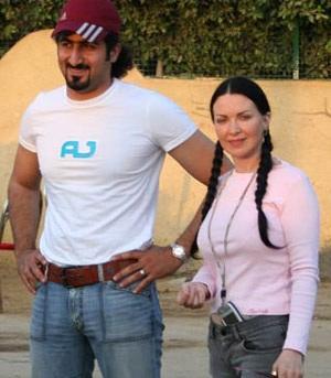 Con dâu bin Laden ly dị chồng vì sợ bị ám sát - 1