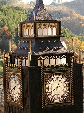 Chùm ảnh: Tháp đồng hồ Big Ben giữa lòng nước Ý - 1