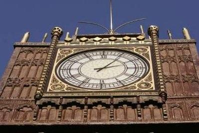 Chùm ảnh: Tháp đồng hồ Big Ben giữa lòng nước Ý - 4