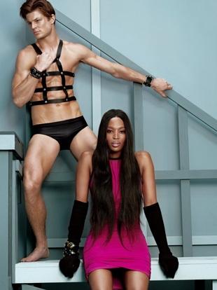 Naomi Campbell vẫn cực kỳ cuốn hút - 4