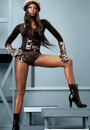 Naomi Campbell vẫn cực kỳ cuốn hút - 8
