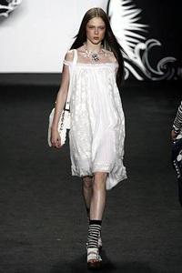Anna Sui: Bước vào thế giới cổ tích  - 14