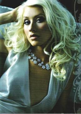 Christina đẹp đầy quyến rũ trên Cosmopolitan - 3