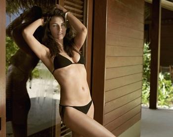 Bikini gợi cảm của Elizabeth - 7