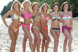 Người đẹp vui đùa trên bãi biển của Miss World - 7