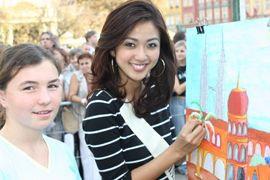 Hoa hậu Mai Phương Thuý tung tăng trên đường phố Wroclaw  - 5