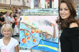 Hoa hậu Mai Phương Thuý tung tăng trên đường phố Wroclaw  - 8