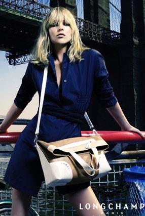 """Kate Moss vẫn xứng danh """"nữ hoàng quảng cáo"""" - 1"""
