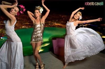 """Kate Moss vẫn xứng danh """"nữ hoàng quảng cáo"""" - 8"""