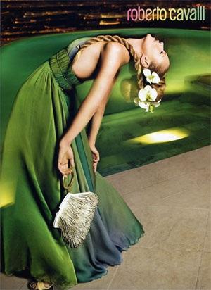 """Kate Moss vẫn xứng danh """"nữ hoàng quảng cáo"""" - 5"""