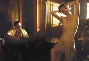 """Kate Moss vẫn xứng danh """"nữ hoàng quảng cáo"""" - 12"""