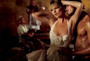 """Kate Moss vẫn xứng danh """"nữ hoàng quảng cáo"""" - 14"""
