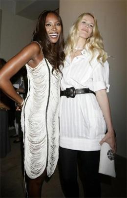 Cuộc hội ngộ giữa Naomi Campbell và Claudia Schiffer  - 3