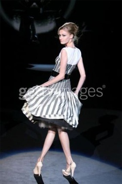 Gwen Stefani ra mắt BST thời trang Xuân/Hè 2008 - 4