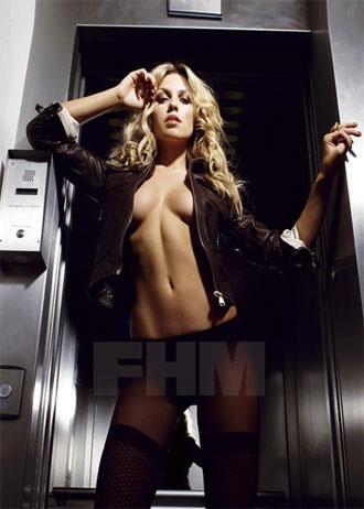 """Siêu mẫu nội y Abigail Clancy """"mát mẻ"""" trên FHM - 3"""