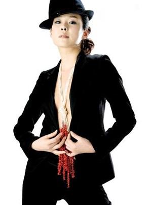Hyun Young gợi cảm tham vọng chinh phục khán giả Nhật - 2
