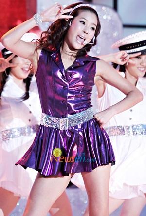 Hyun Young gợi cảm tham vọng chinh phục khán giả Nhật - 1