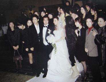Chiêm ngưỡng bộ ảnh cưới của Kim Hee Sun trên Instyle - 13