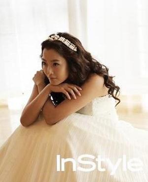 Chiêm ngưỡng bộ ảnh cưới của Kim Hee Sun trên Instyle - 2