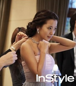 Chiêm ngưỡng bộ ảnh cưới của Kim Hee Sun trên Instyle - 3