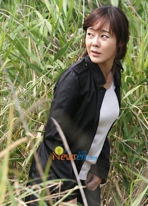 """Kim Yoon Jin được """"săn tìm"""" nhiều nhất trên mạng - 2"""