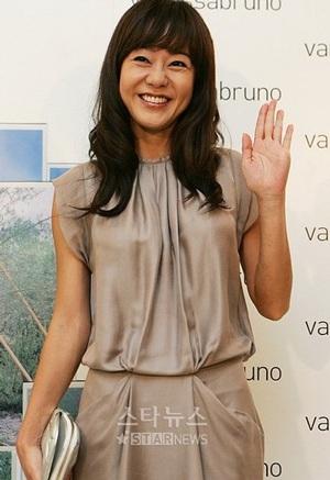 """Kim Yoon Jin được """"săn tìm"""" nhiều nhất trên mạng - 1"""