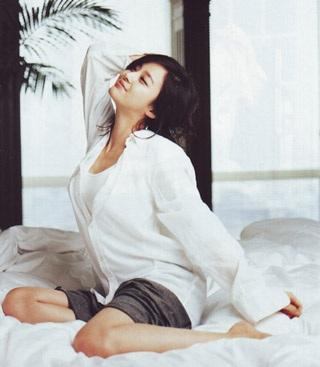 Ba bộ ảnh tuyệt đẹp của kiều nữ Kim Tae Hee - 9